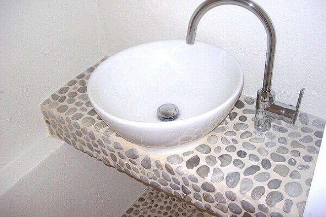 waschbecken aus natursteinen